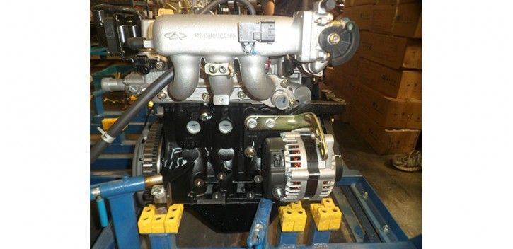JEEP XYJK800 engine