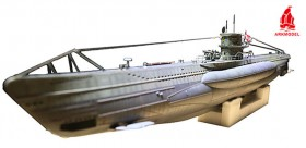U-Boat allemand Type VIIC sous-marin au 1/48 avec kit WTC
